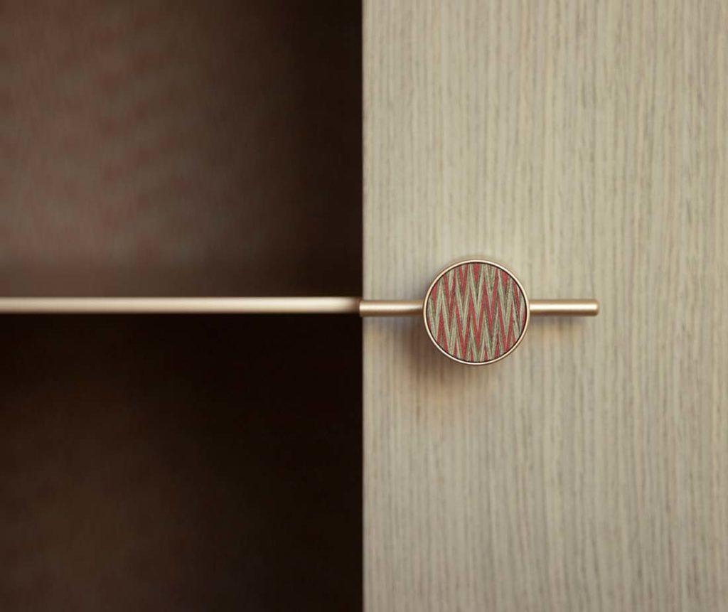Dettaglio maniglia calibrata Mobile Shanti