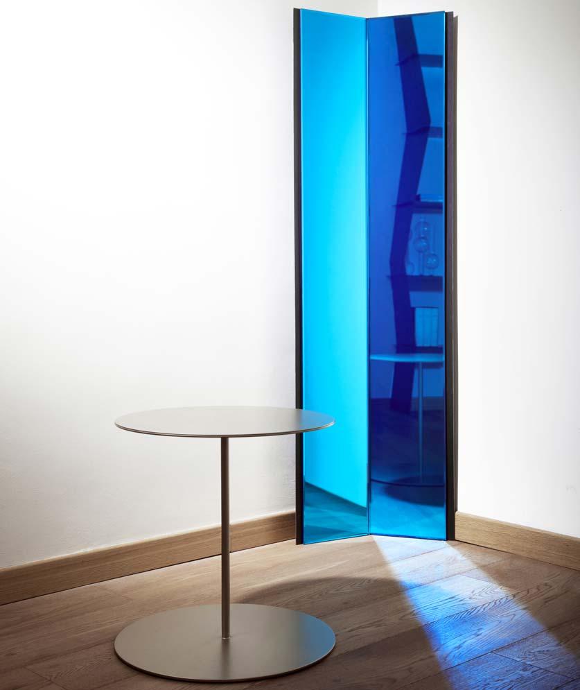 Specchio divina commedia mobili di lusso Antes Design con tavolino
