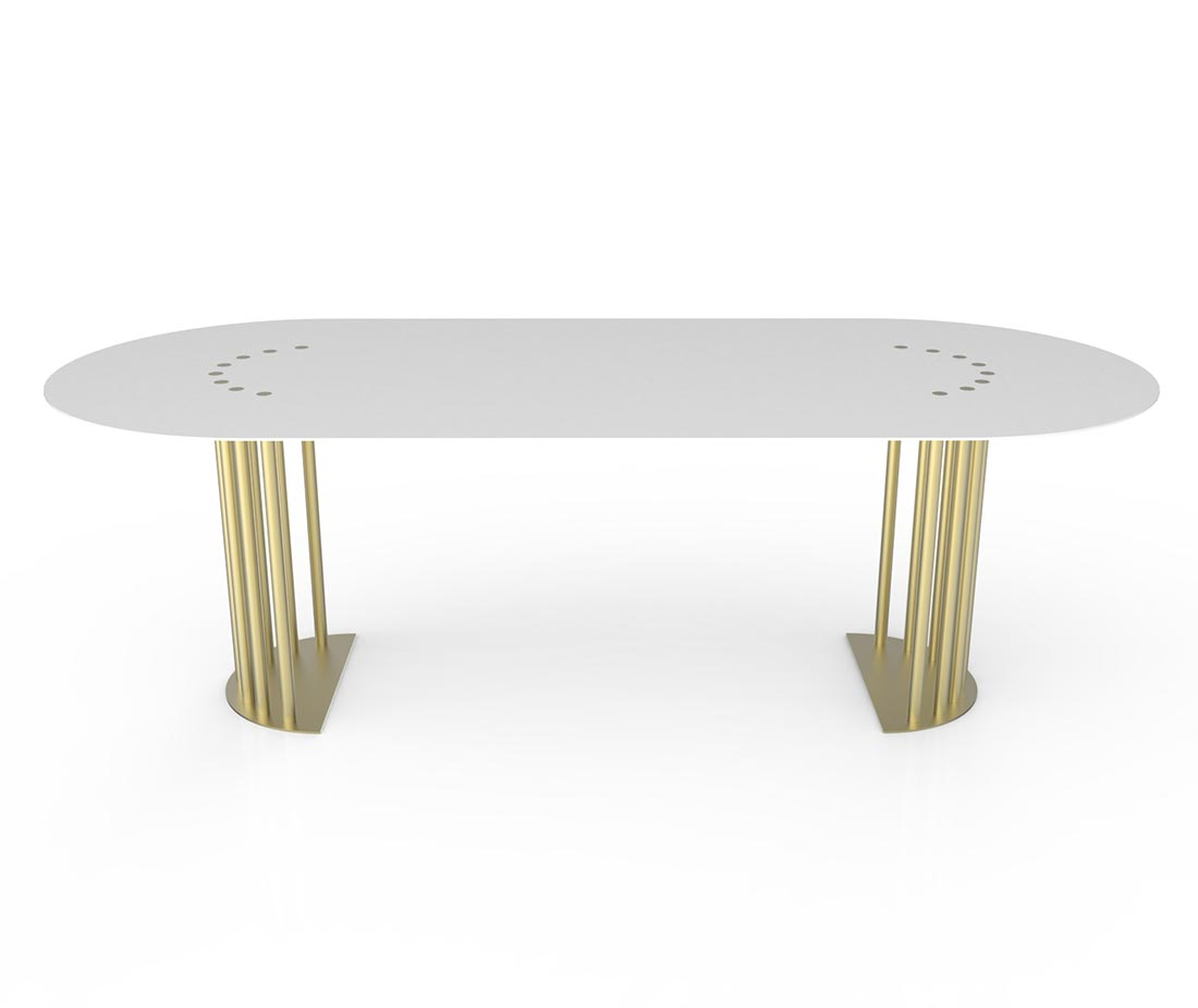 Tavolo bianco posizione laterale con anche color ottone